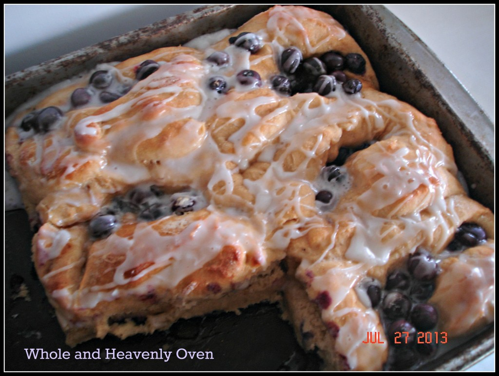 Fluffy Blueberry-Swirl Rolls No.7
