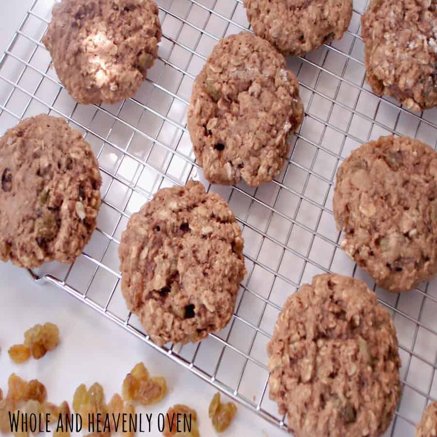 Golden Oatmeal Raisin  Cookies