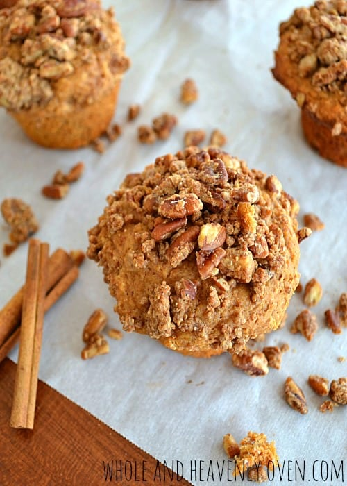 Coffee Cake Muffins | wholeandheavenlyoven.com