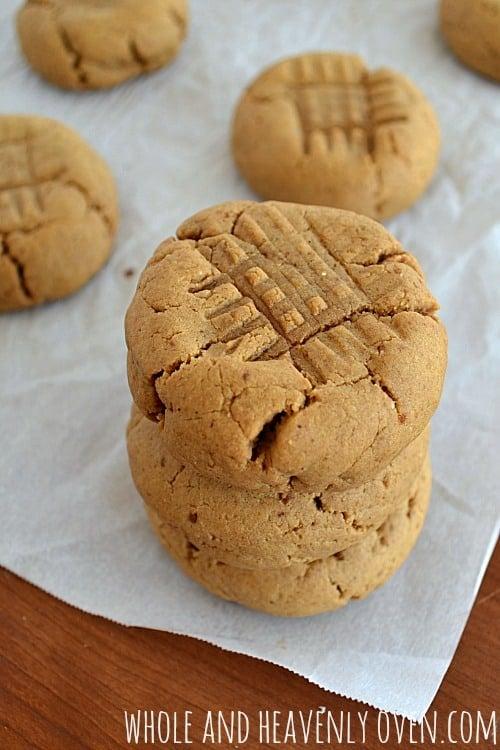 Classic Peanut Butter Cookies | wholeandheavenlyoven.com