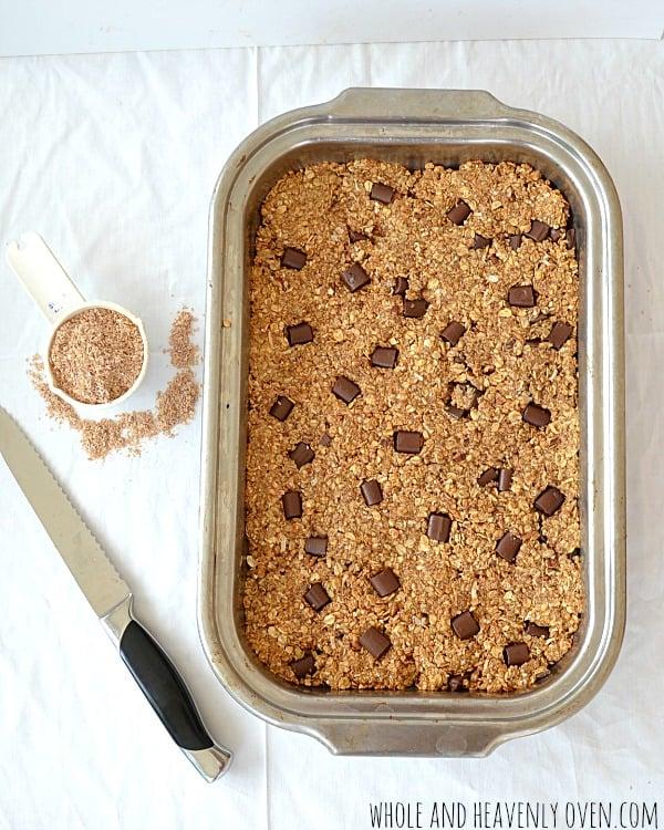 Whole-Grain Peanut Butter Chocolate Granola Bars | wholeandheavenlyoven.com