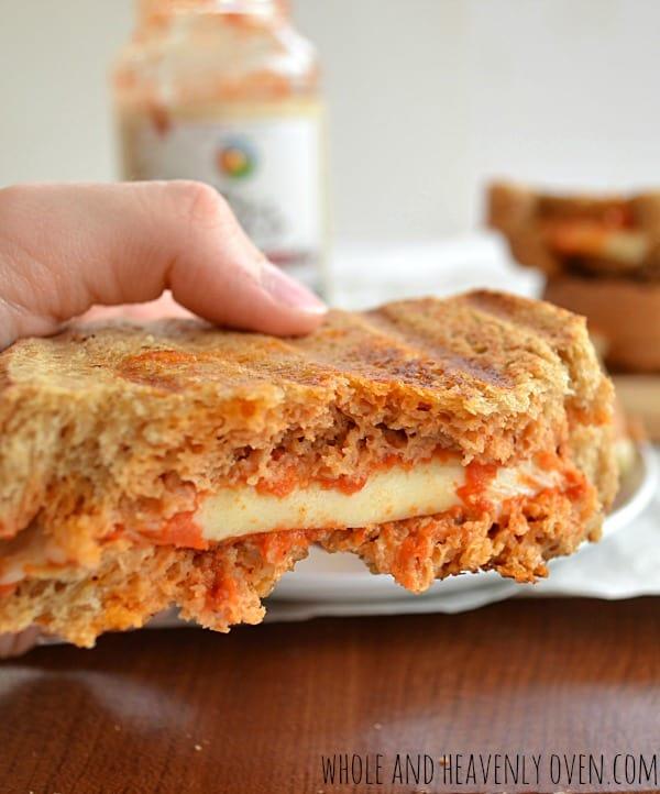 Marinara Grilled Cheese Sandwiches | wholeandheavenlyoven.com