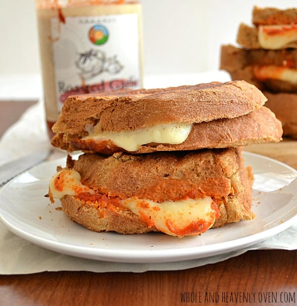 Marinara Grilled Cheese Sandwiches | wholeandheavenlyoven.com