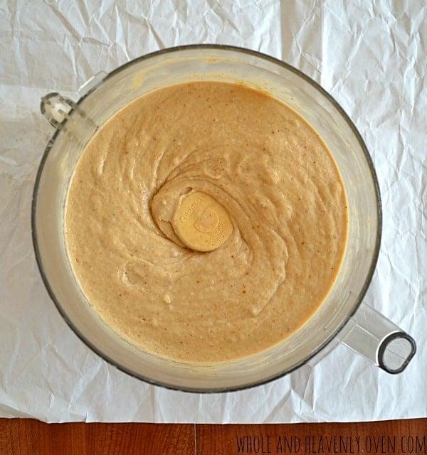 Skinny Peanut Butter Banana Milkshakes | wholeandheavenlyoven.com