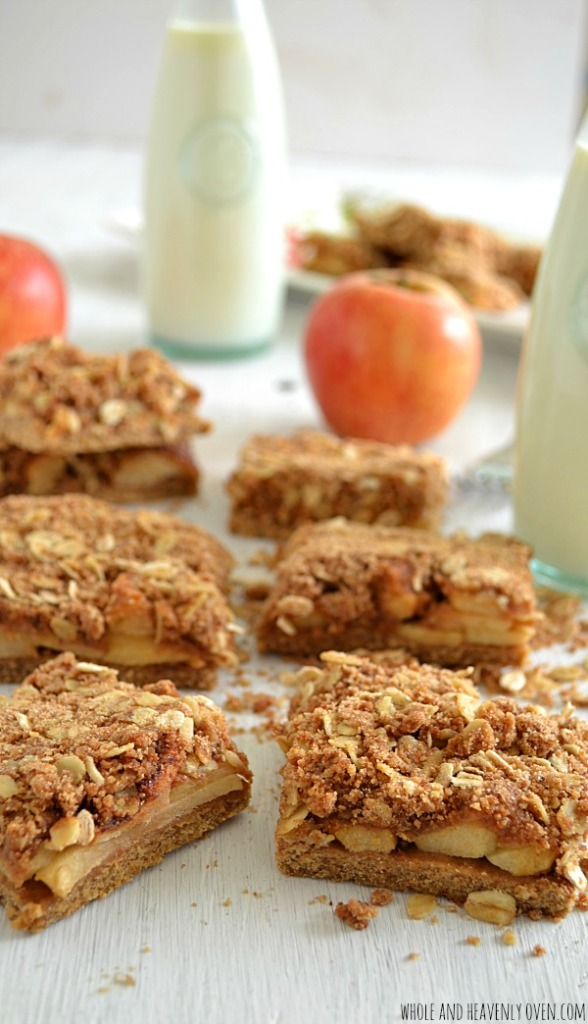 Apple Crisp Bars | wholeandheavenlyoven.com