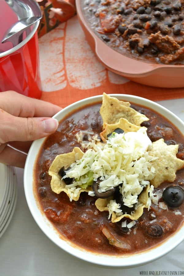 How To Make A Chili Bar -- A fun dinner idea for game-day!