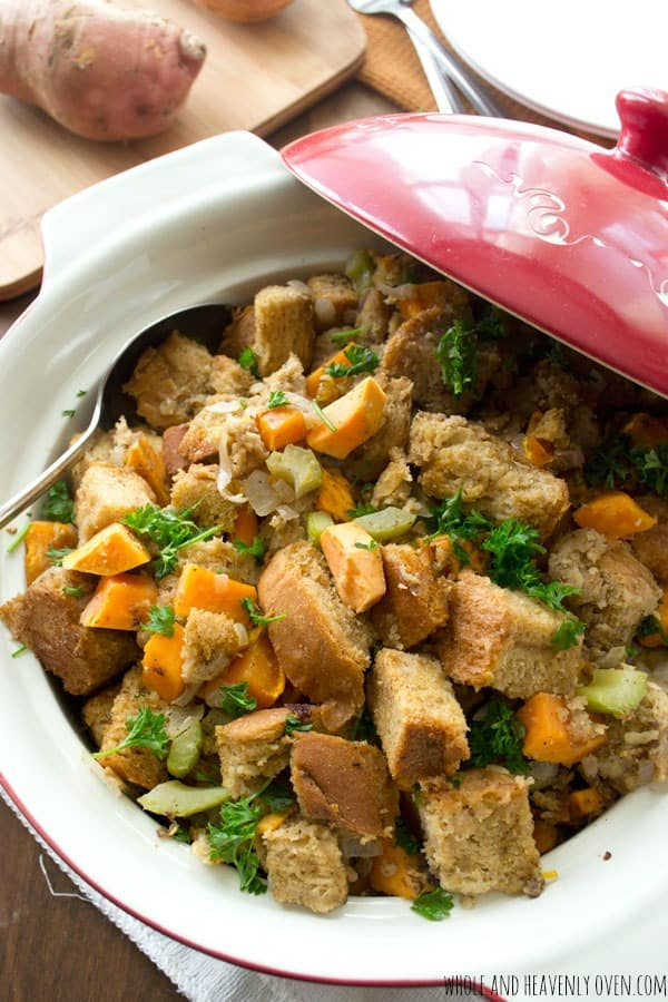 Crockpot Sweet Potato Stuffing -- This slow-cooked stuffing cooks low 'n' slow and is guaranteed to be the hit of your Thanksgiving feast!