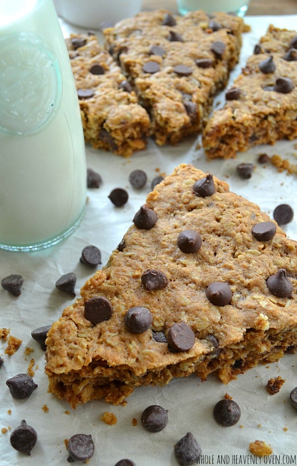 Oatmeal Chocolate Chip Cookie Pizza | wholeandheavenlyoven.com