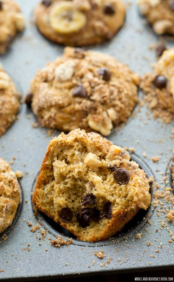 All the flavors and textures you love about banana bread in muffin form along with lots of gooey chocolate and a to-die-for buttery streusel! @WholeHeavenly