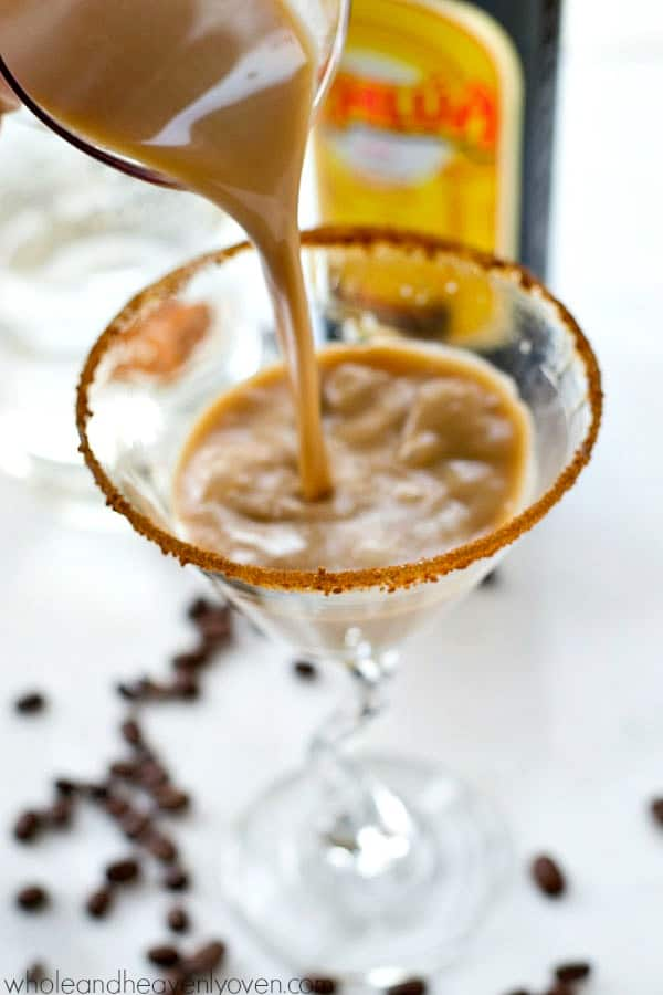 Made with only a handful of ingredients in five minutes, this festive espresso martini is the perfect cocktail for any coffee-lover!