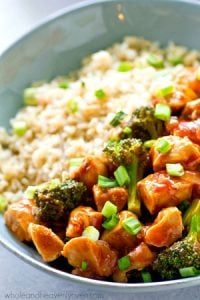 These easy barbecue chicken and broccoli rice bowls are made in only ONE skillet in less than 30 minutes for a no-fuss weeknight dinner that everyone will gladly eat!