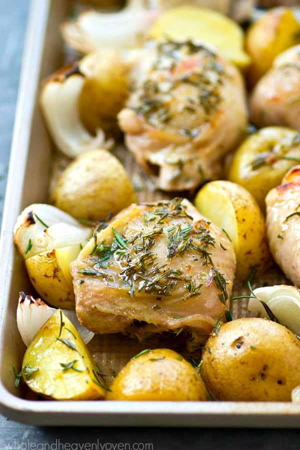 You're only going to need ONE pan and a few easy ingredients on hand to make this weeknight rosemary roast chicken and potatoes.---you've got dinner in the bag!