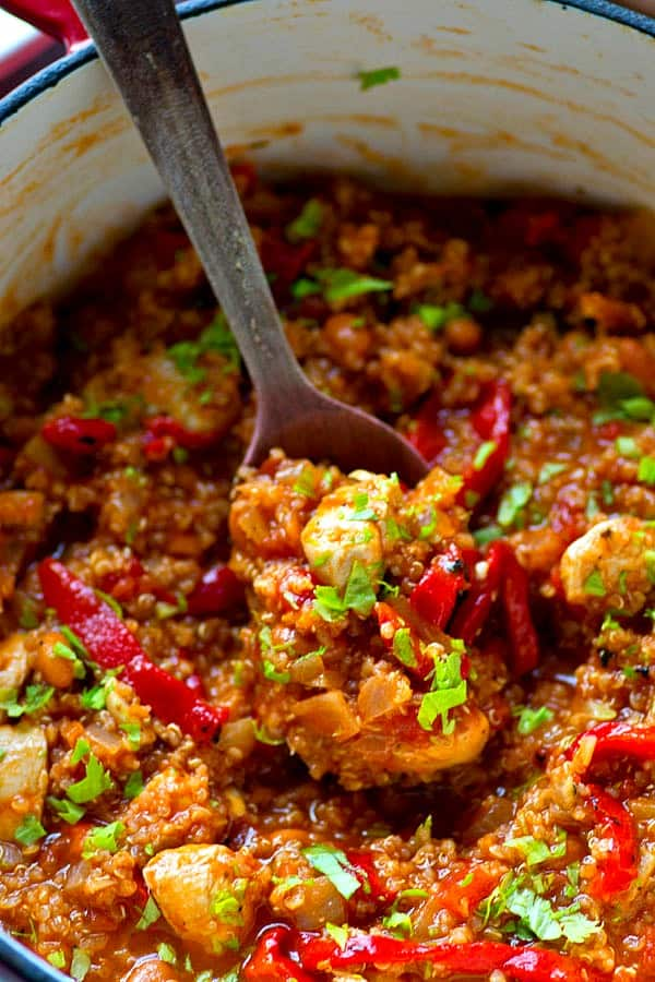 Use up turkey leftovers to make this massively flavorful roasted red pepper quinoa turkey chili! You can throw it together in minutes and it's so hearty and filling!