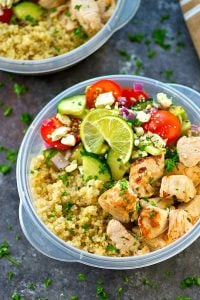 Make dinner way in advance with these meal prep Greek-style chicken quinoa bowls! So quick to throw together and packed full of healthy Greek goodness.