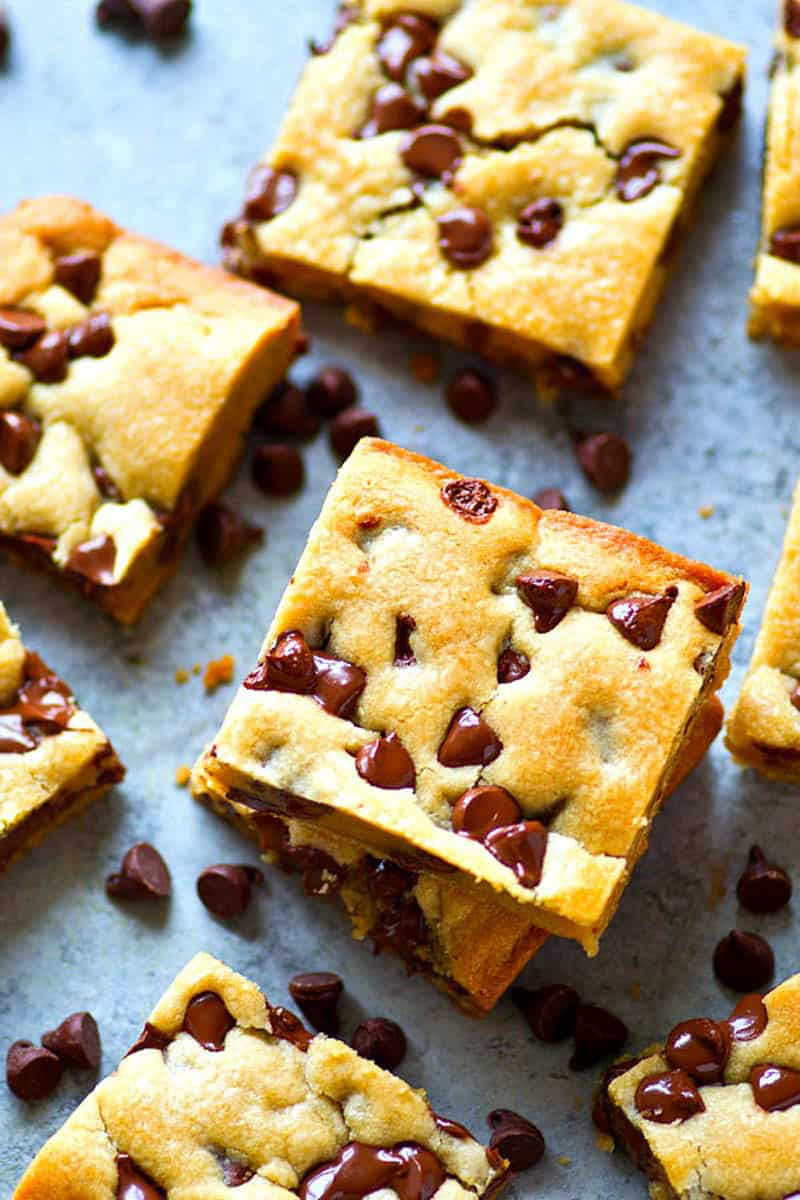 Soft-Baked Coconut Oil Chocolate Chip Cookie Bars