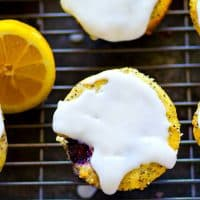 Exploding with juicy blackberries, tons of lemon poppyseed flavor and covered in a tangy lemon glaze, these lemon poppyseed blackberry muffins will be an INSTANT brunch hit!