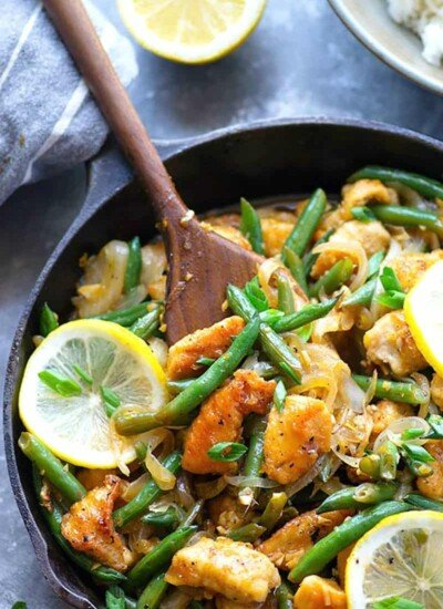 Bright and flavorful lemon chicken stir fry is dressed up with a zingy honey lemon sauce and tons of tender green beans for a quick and healthy weeknight dinner!