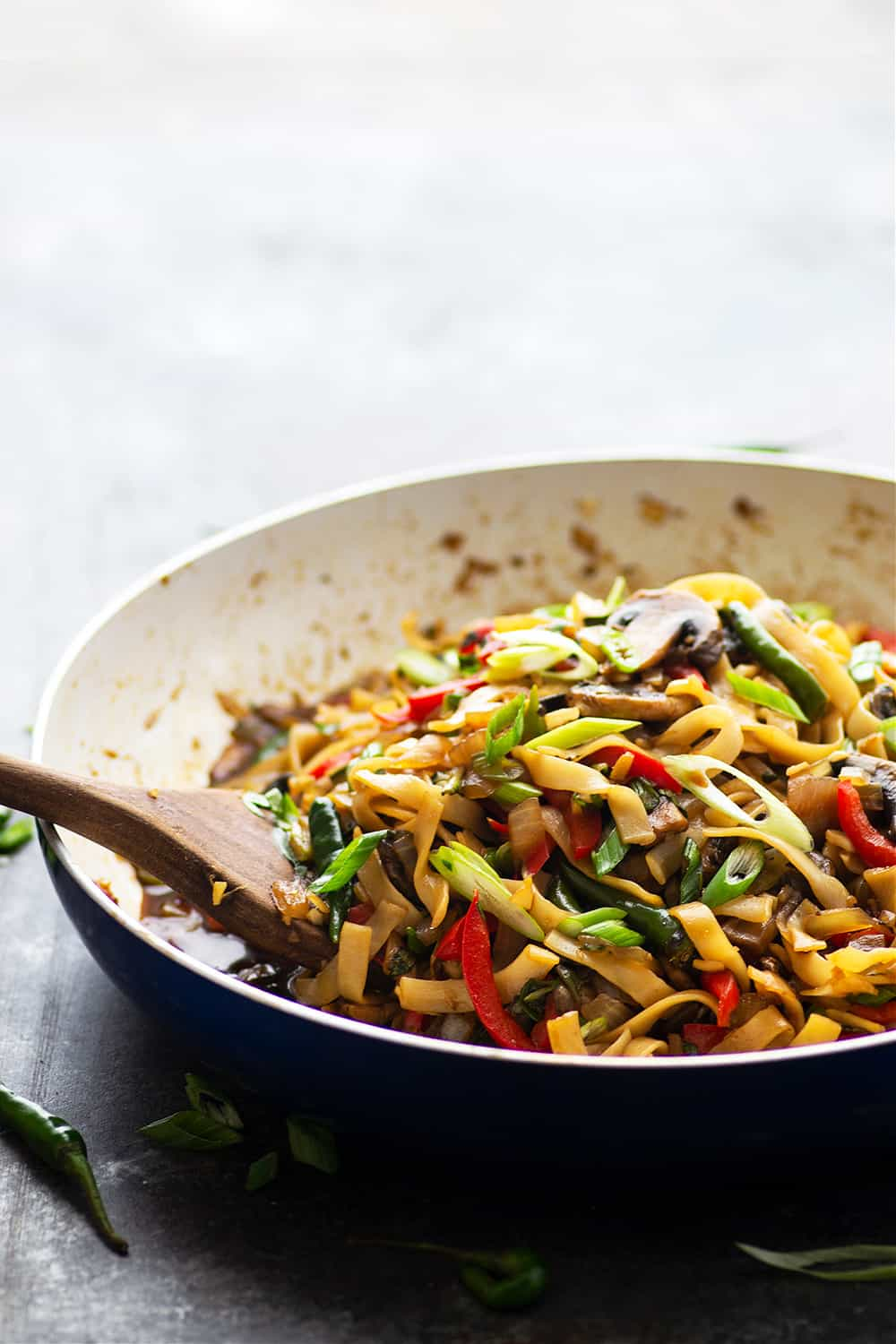 Packed with hearty veggies and a spicy soy sauce, these Thai drunken noodles are fast to whip up in 40 minutes and better than any restaurant! You wouldn't even know that these spicy noodles are vegan!